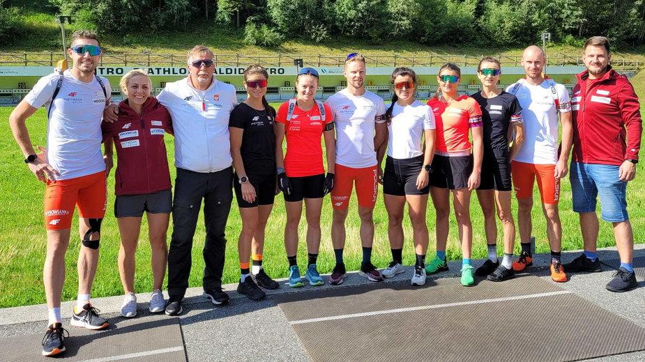 Od lewej: Grzegorz Guzik, Agnieszka Cyl, Adam Kołodziejczyk, Kamila Żuk, Kinga Zbylut, Andrzej Nędza-Kubiniec, Anna Mąka, Joanna Jakieła, Monika Hojnisz-Staręga, Łukasz Szczurek oraz Paweł Kroczek