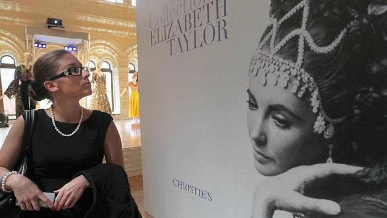 Wystawa pamiątek Elisabeth Taylor w Moskwie.