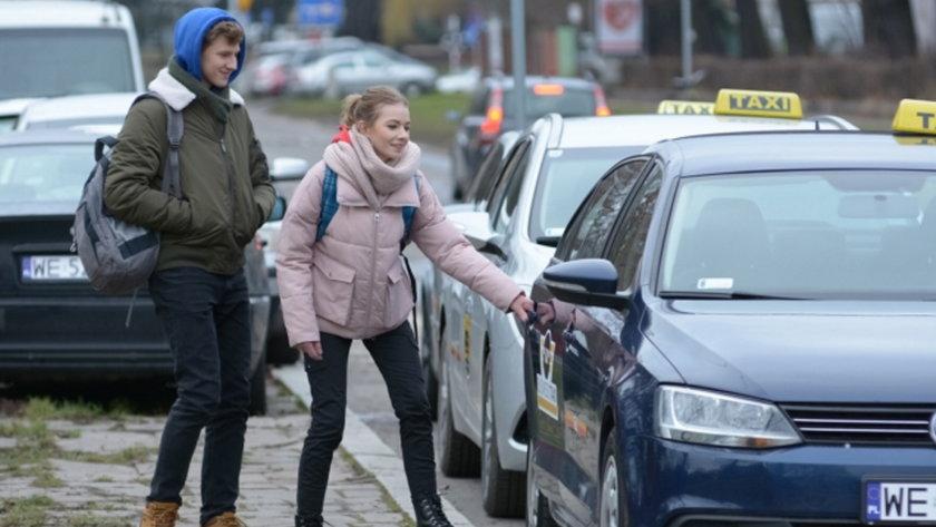 """""""Pierwsza miłość"""". Jolka i Tomek uciekną do Warszawy"""