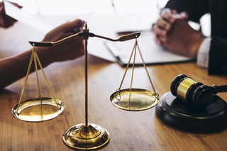 Drastyczna podwyżka opłat może wypchnąć ugody z sal sądowych