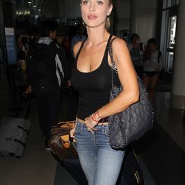 Joanna Krupa bez stanika
