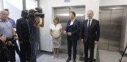 Co za feta w szpitalu w Pucku! Otworzyli windę, ale tylko na... niby!