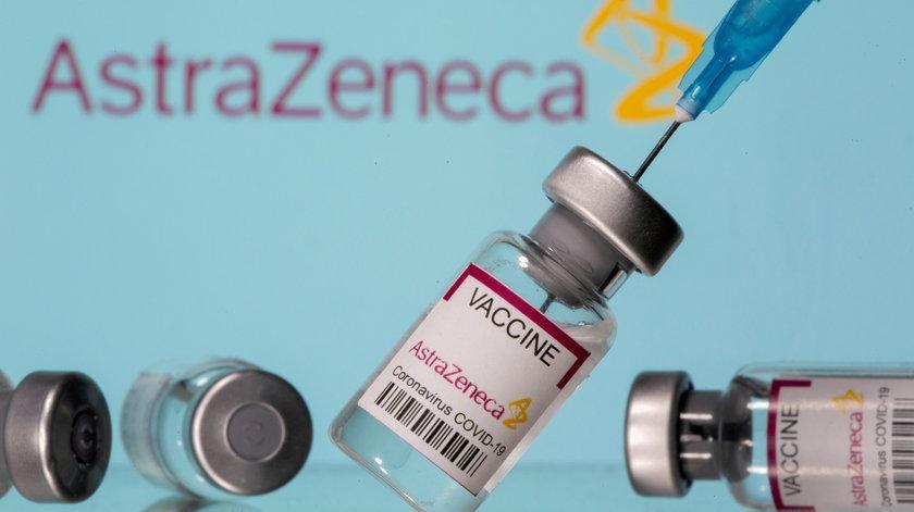 Rząd wstrzyma szczepienia pierwszą dawka AstraZenecą?