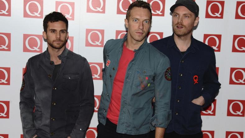 Koncert Coldplay - 19 września, Stadion narodowy w Warszawie, ceny biletów: 825 pln – VIP; 385 pln – Golden Circle Early Entrance; 275 pln – trybuny i Golden Circle; 198 pln – trybuny i płyta; 187 pln – trybuny; 165 pln – trybuny i osoby niepełnosprawne