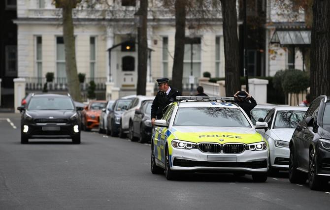 Policija ispred kuće Rite Ore
