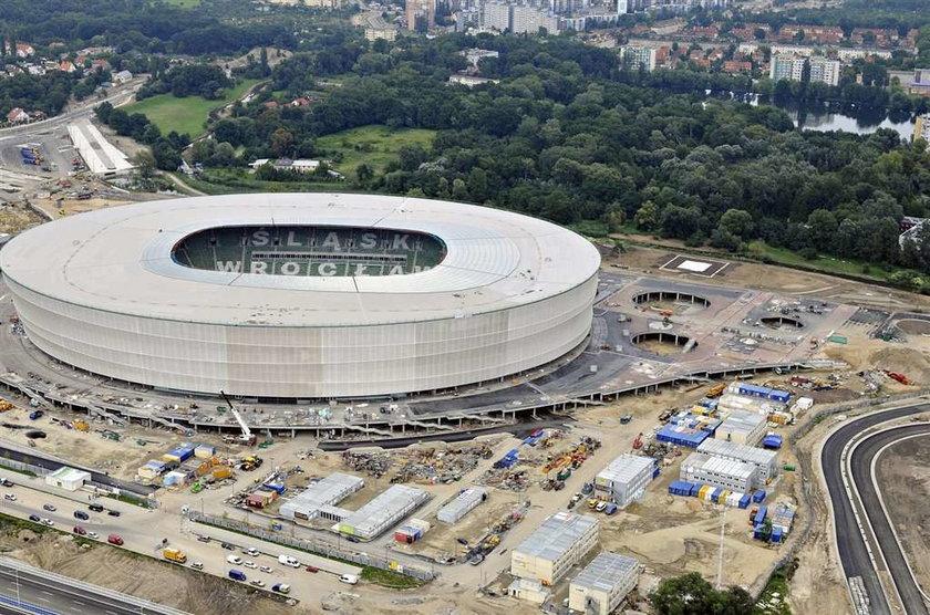 Zbudowaliśmy stadiony, żeby grać w Azji?!