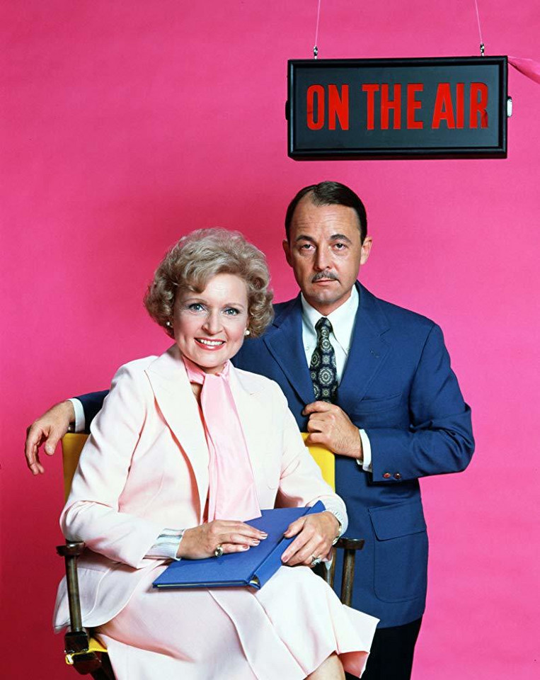 "John Hillerman i Betty White na planie ""The Betty White Show"" (1977)"