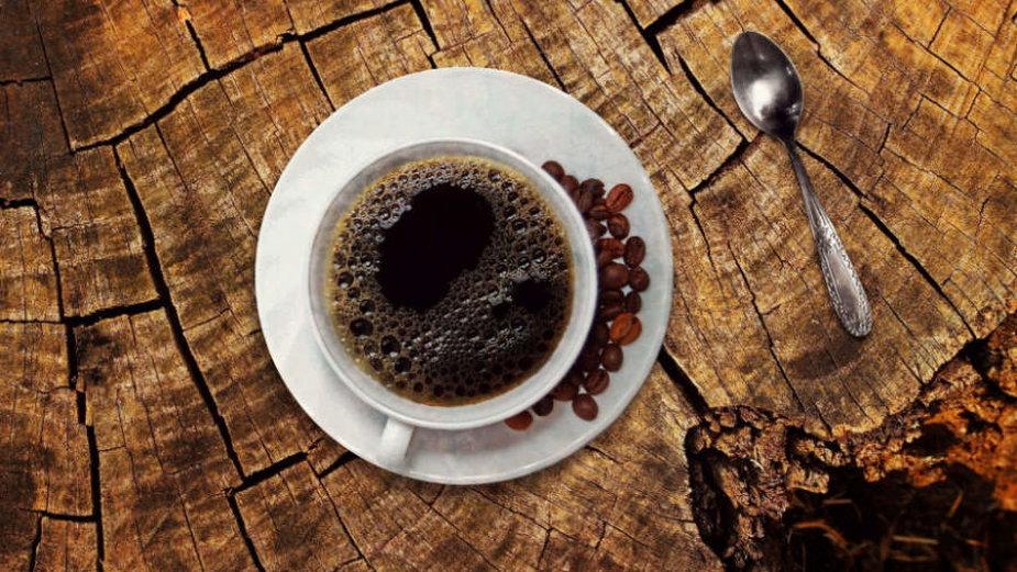 Nadmierne spożycie kawy może zmniejszać objętość mózgu i zwiększać ryzyko rozwoju demencji (fot. Pixabay/CC0 Public Domain)