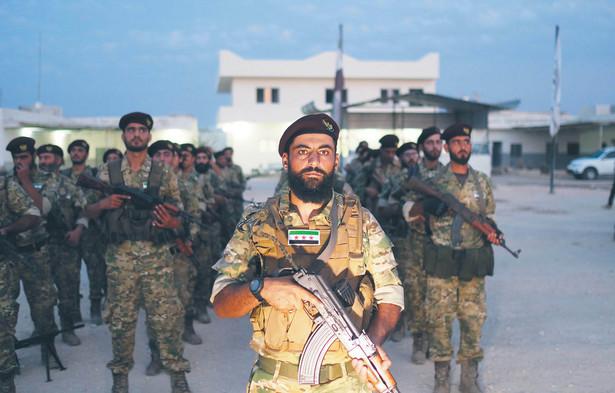 Decyzję o wycofaniu wojsk z północnej Syrii Amerykanie tłumaczą kosztami wsparcia dla Kurdów