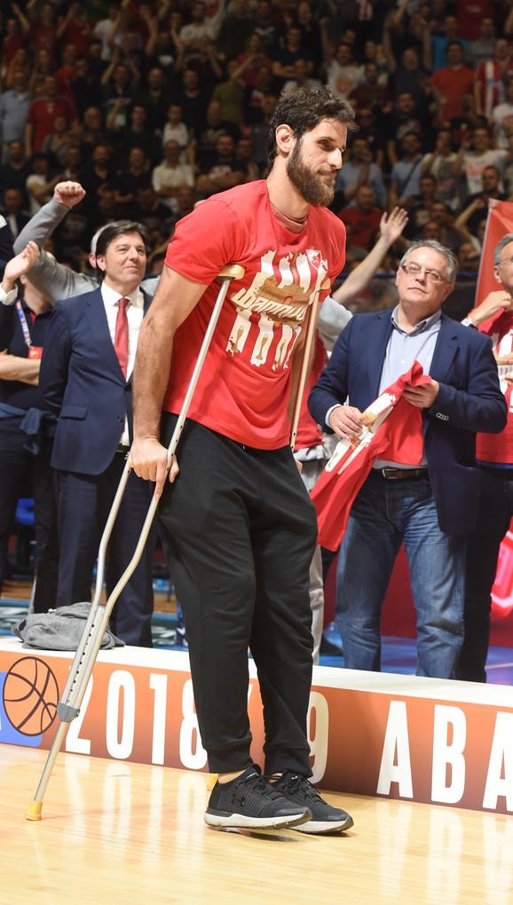 Stratos Perperoglu nije mogao da pomogne saigračima u tri poslednje utakmice finalne serije sa Budućnosti