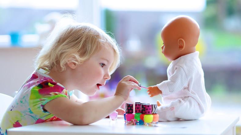 Na co zwracać uwagę, kupując zabawki dla dziecka?