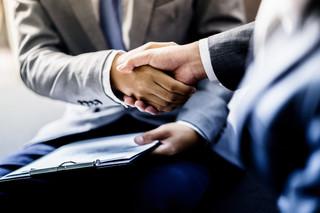 Czy i jak można łączyć zawód adwokata z innymi zajęciami?
