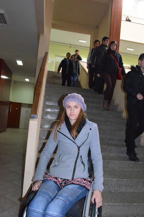 Stepenice su joj najveća prepreka na fakultetu