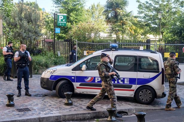 W wyniku ataku sześciu żołnierzy zostało rannych, w tym dwóch ciężko