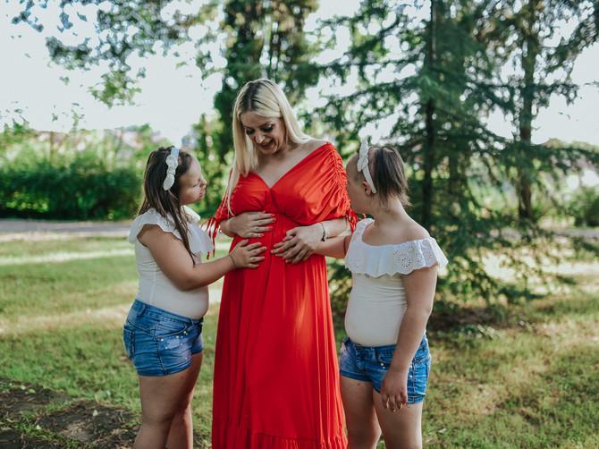 Mama bliznakinja sa Daunovim sindromom zadivila region: Hrabra Podgoričanka čeka treću bebu i otkriva sve detalje trudnoće