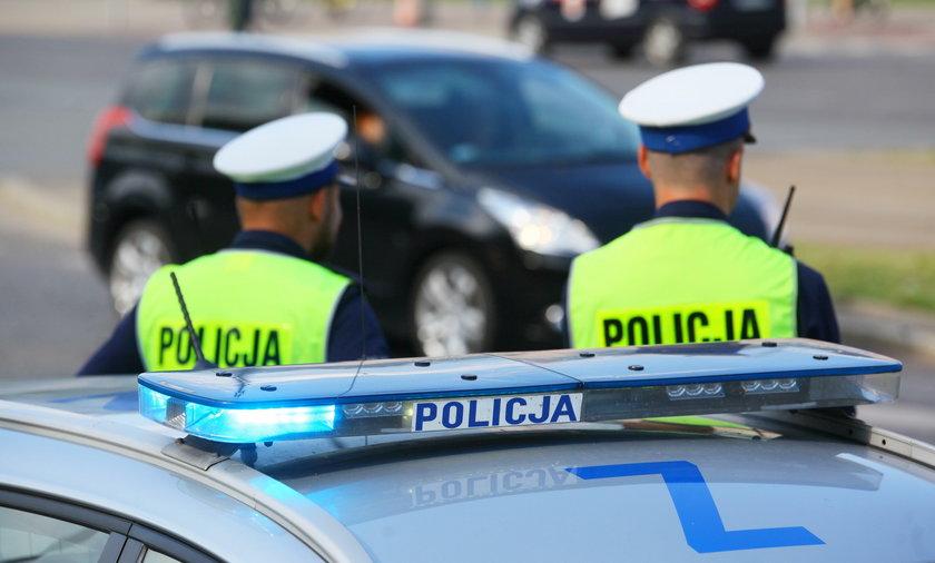 Groźny wypadek w Sulęcinie. Rozpędzone auto wjechało w grupę pieszych
