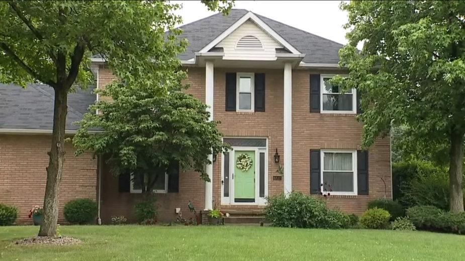 Cztery osoby zostały znalezione martwe w domu w Jackson Township w stanie Ohio. Ojciec zastrzelił swoją żonę i dzieci, a potem siebie