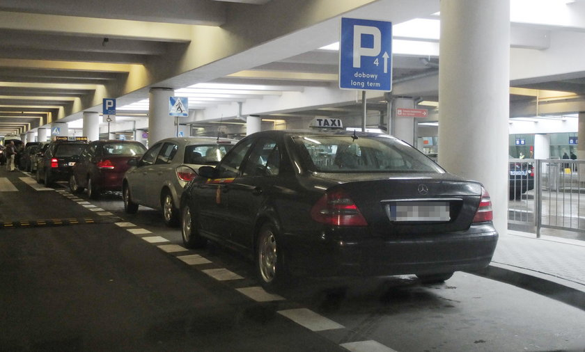 Nielegalne taksówki na lotnisku