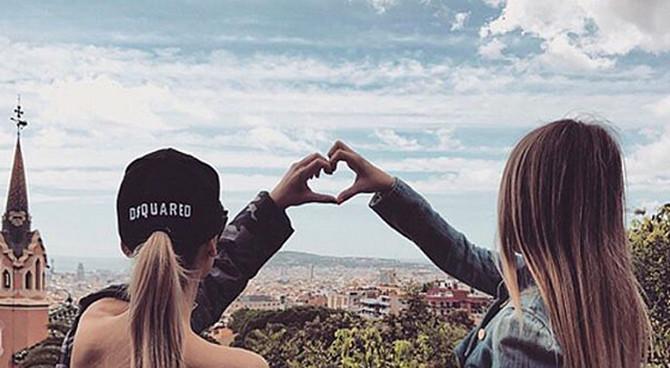 Sestre zajedno izlaze i putuju širom sveta