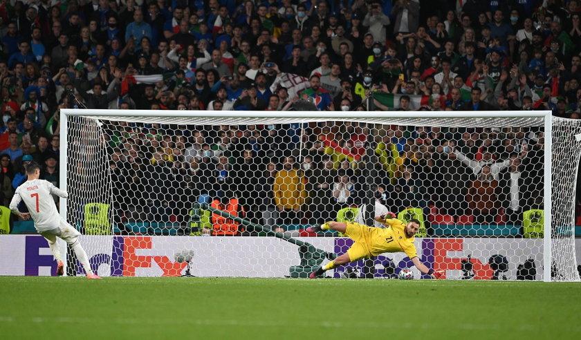 Od początku w tym Euro Morata miał pod górkę.