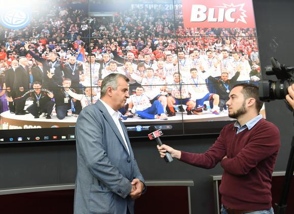 Prvi čovek srpskog rukometa daje izjavu za Blic TV