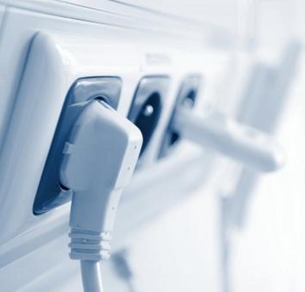 98 proc. indywidualnych odbiorców wciąż kupuje prąd od firmy powiązanej z miejscowym dystrybutorem