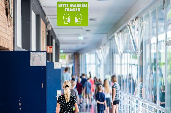 Nemačka OTVORILA ŠKOLE, pa buknula zaraza: Cela škola zatvorena zbog jednog pozitivnog đaka,  a evo kojim merama se brane  od korone