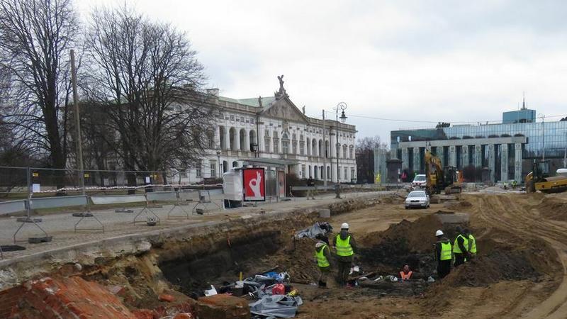 Archeologiczne odkrycie przy przebudowie ulicy Miodowej i Placu Krasińskich