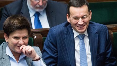 Premier Beata Szydło i wicepremier Mateusz Morawiecki podczas 33. posiedzenia Sejmu