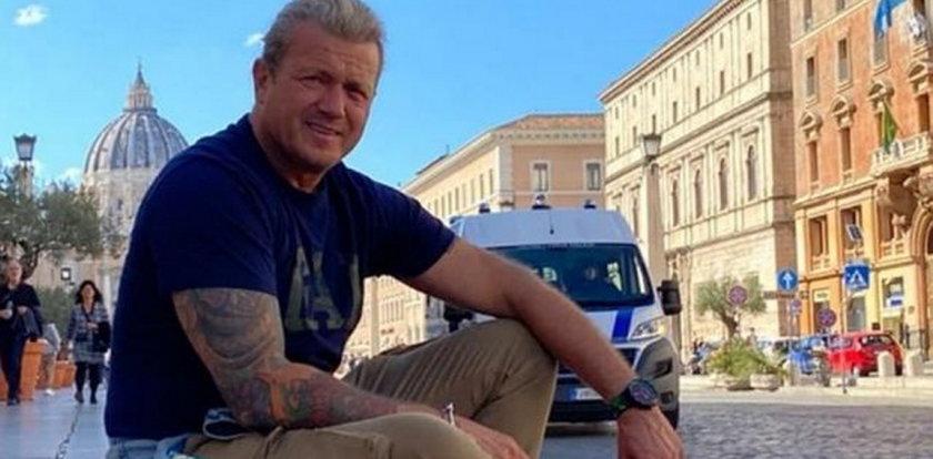 Jakimowicz na urlopie w Rzymie, tymczasem w Polsce znów zbierają się nad nim czarne chmury. Mamy komentarz aktora