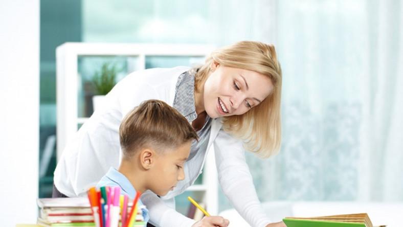 Większość dzieci korzysta obecnie z dodatkowych zajęć lekcyjnych