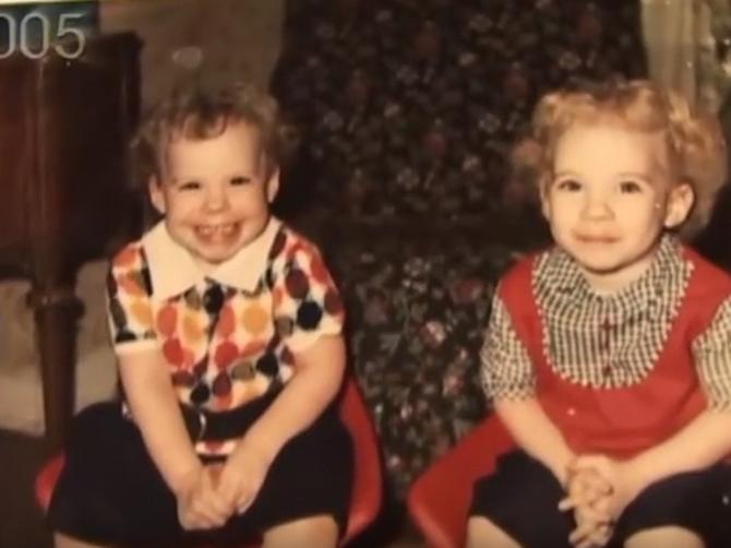 Bile su obične bliznakinje sve dok nije stigao 11. rođendan: Onda se izgled jedne sestre DRASTIČNO PROMENIO i usledila je TRAGEDIJA