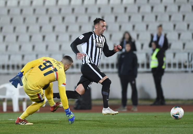 Trenutak kada je Bojan Matić duplirao prednost Partizana