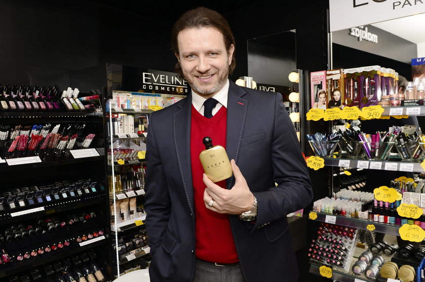 "Radoslaw Majdan promuje swoje nowe perfumy ""Vabun"""