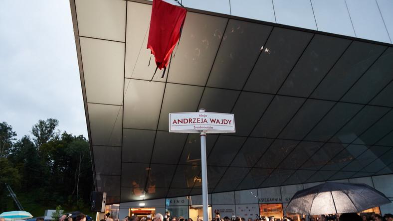 W Gdyni odsłonietao aleję im. Andrzeja Wajdy
