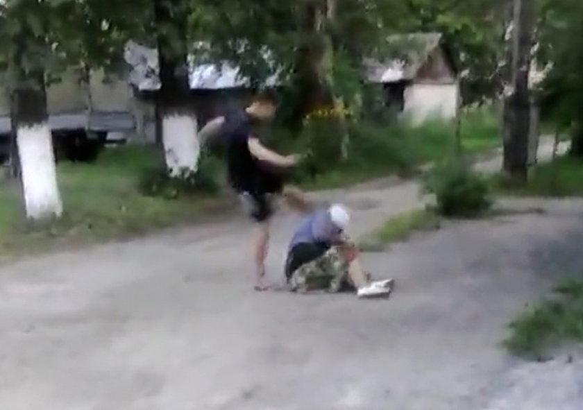 Bandyta skatował staruszkę