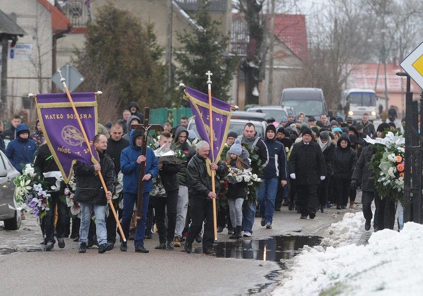 Tłumy na pogrzebie 21-latka z Ełku