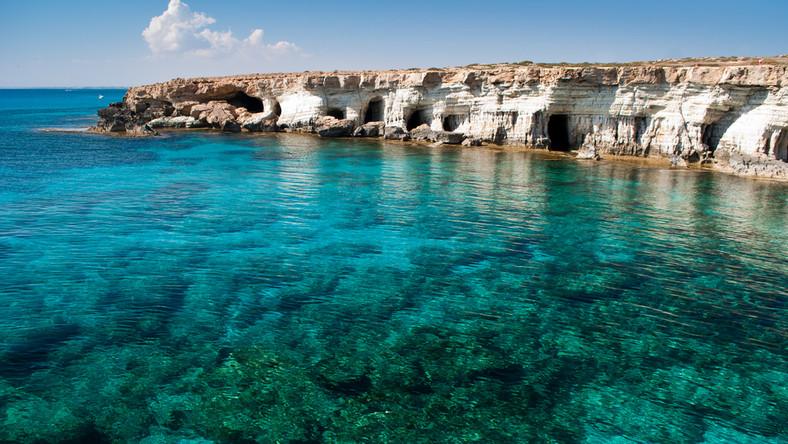 Jaskinie nad krystalicznie czystym Morzem Śródziemnym