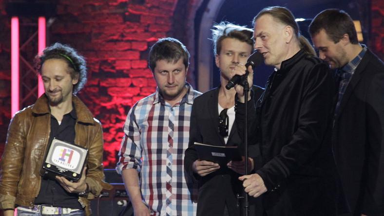 Tomasz Lipiński i nagrodzony zespół L.Stadt