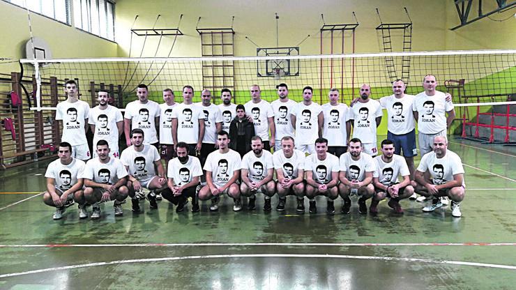IMG_1250 Odbojkaši iz Topole organizovali memorijalni meč u čast bivšeg igrača