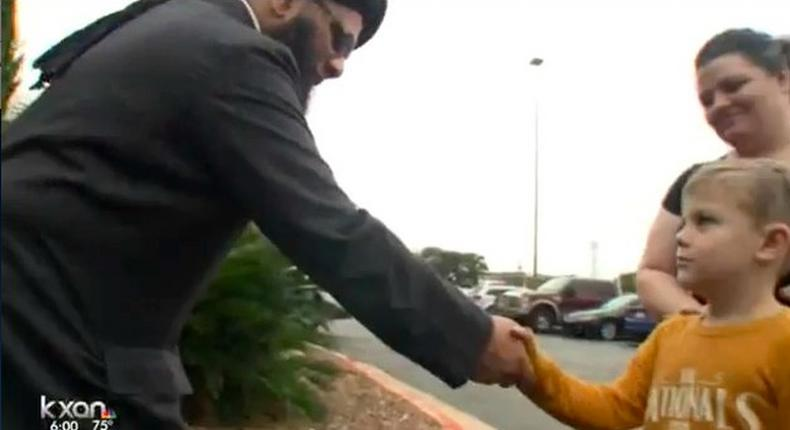 7-year-old goes viral after donating piggy bank money to mosque attacked by racists