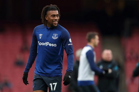 Alex Iwobi deixou o Arsenal para se juntar ao Everton sem aumento de salário (James Williamson - AMA / Getty Images)