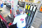Radnici na benzinskoj pumpi