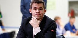 Jest szachowym geniuszem i uwielbia piłkę nożną. Magnus Carlsen: Bednarek się nie popisał