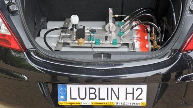 Samochód zasilany wodorem
