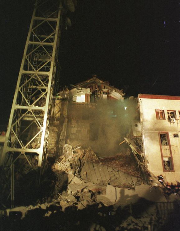 Pogođena je u 2.06 sati u noći 23. aprila 1999.