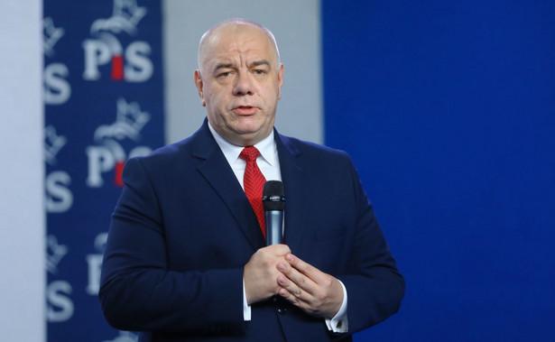 """Wicepremier Jacek Sasin dodał, że """"polskie kopalnie są w stanie absolutnie zapewnić zapotrzebowanie krajowej energetyki, (...) aby mogła korzystać tylko i wyłącznie z polskiego węgla"""""""