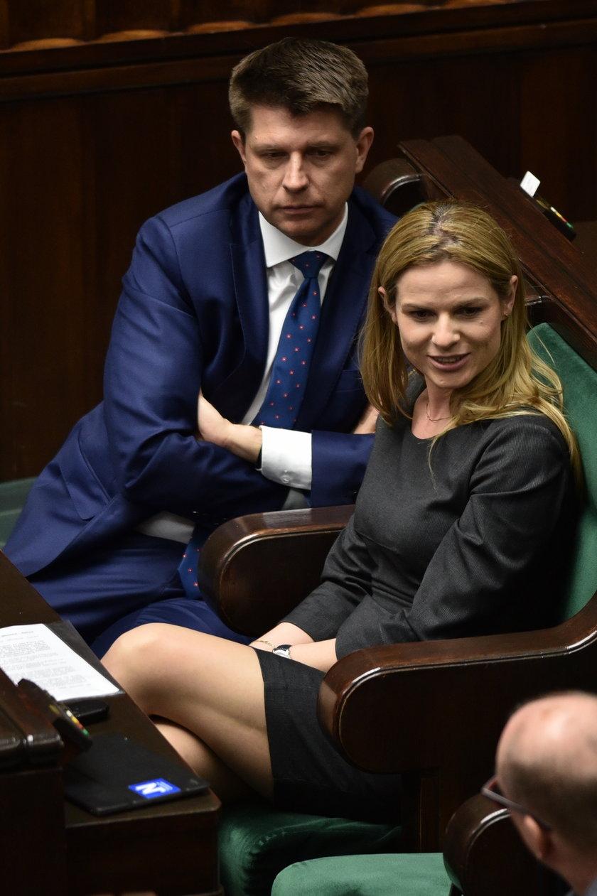 """Tak """"protestują"""". Petru i piękna posłanka przyłapani w Portugalii!"""