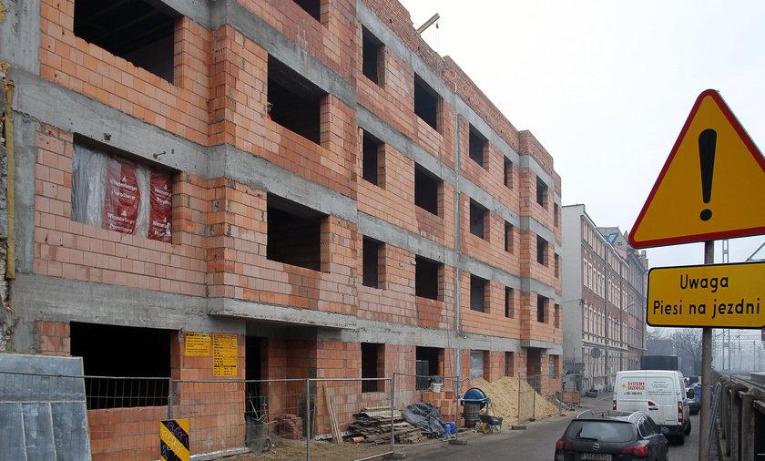 Miasta buduja mieszkania komunalne