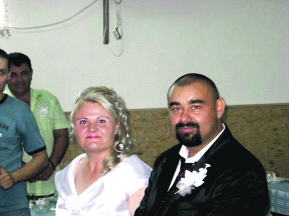 Mala Lena će mamu pamtiti samo sa slike:Sonja i Vladan Miladinović